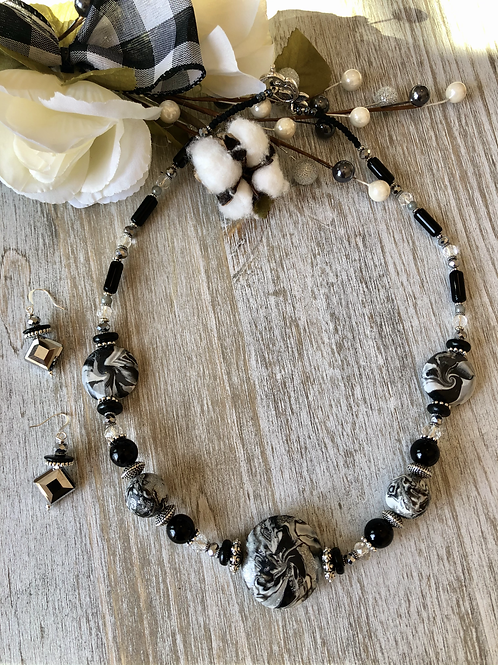 Clay Swirl in Black & Silver