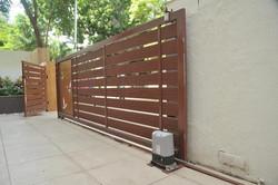 sliding-remote-controlled-gates-500x500.
