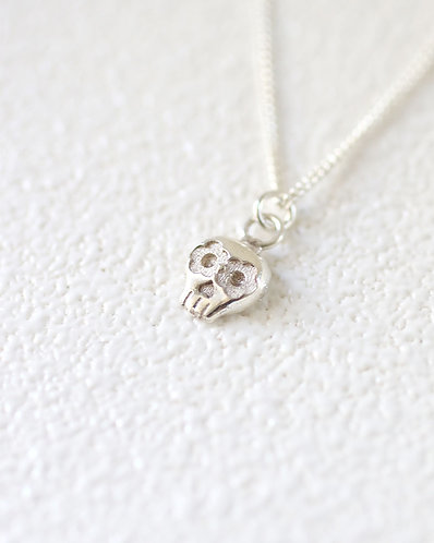 Mini Muertos Necklace/ 14k gold
