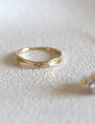 Ribbon Ring/ 14k gold and diamond