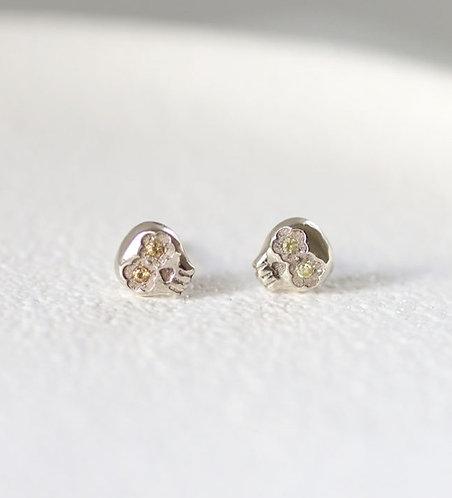 Mini Muertos Earrings/ 14K gold and yellow sapphires