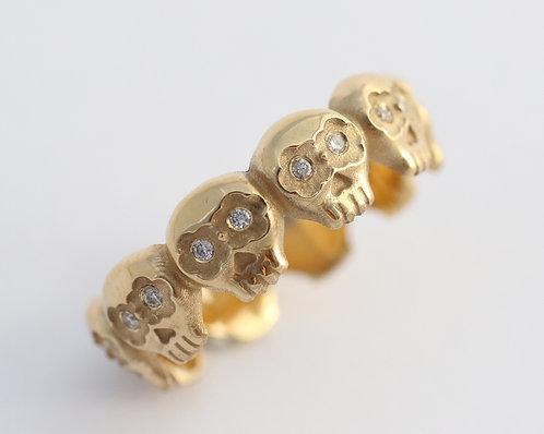Los Muertos Ring/ 14k gold with white diamonds