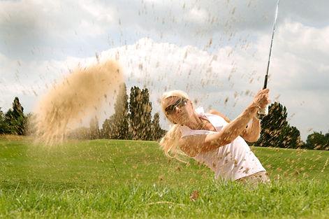 Zij golft weer als vanouds.jpg