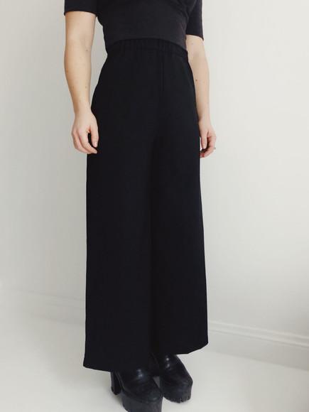 The pant_black_Tini garments