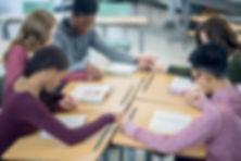 Grupo de oración adolescente