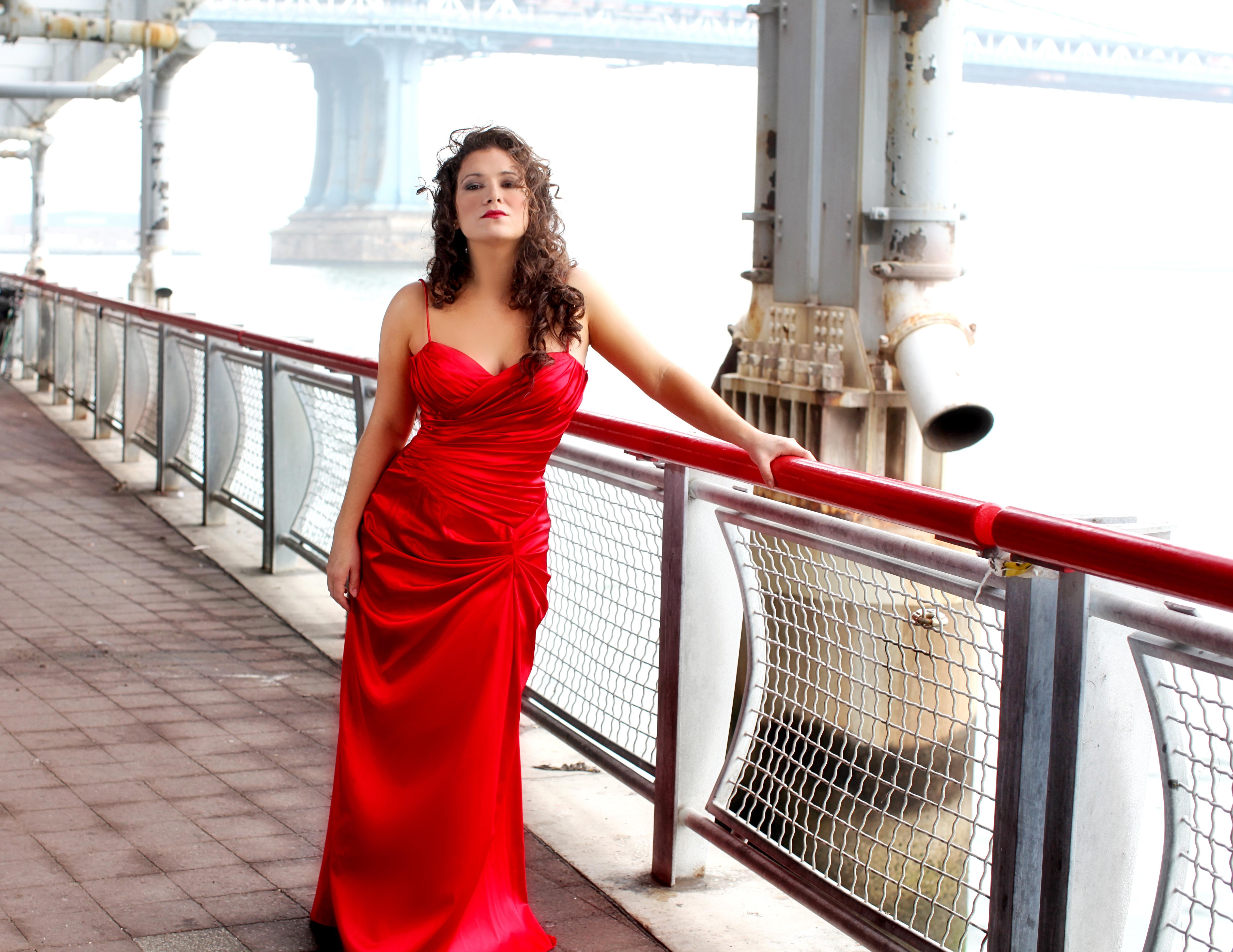 Danielle Pastin - soprano