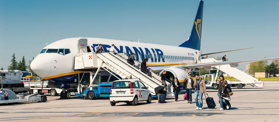 Avion iz Niša sleteo u Bolonju usled loših vremenskih uslova u Bergamu
