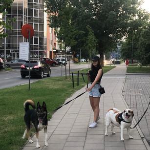 Auklė Urtė ir naujasis jos draugas.