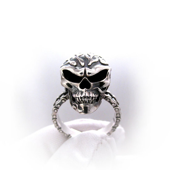 Womens Flaming Skull Ring
