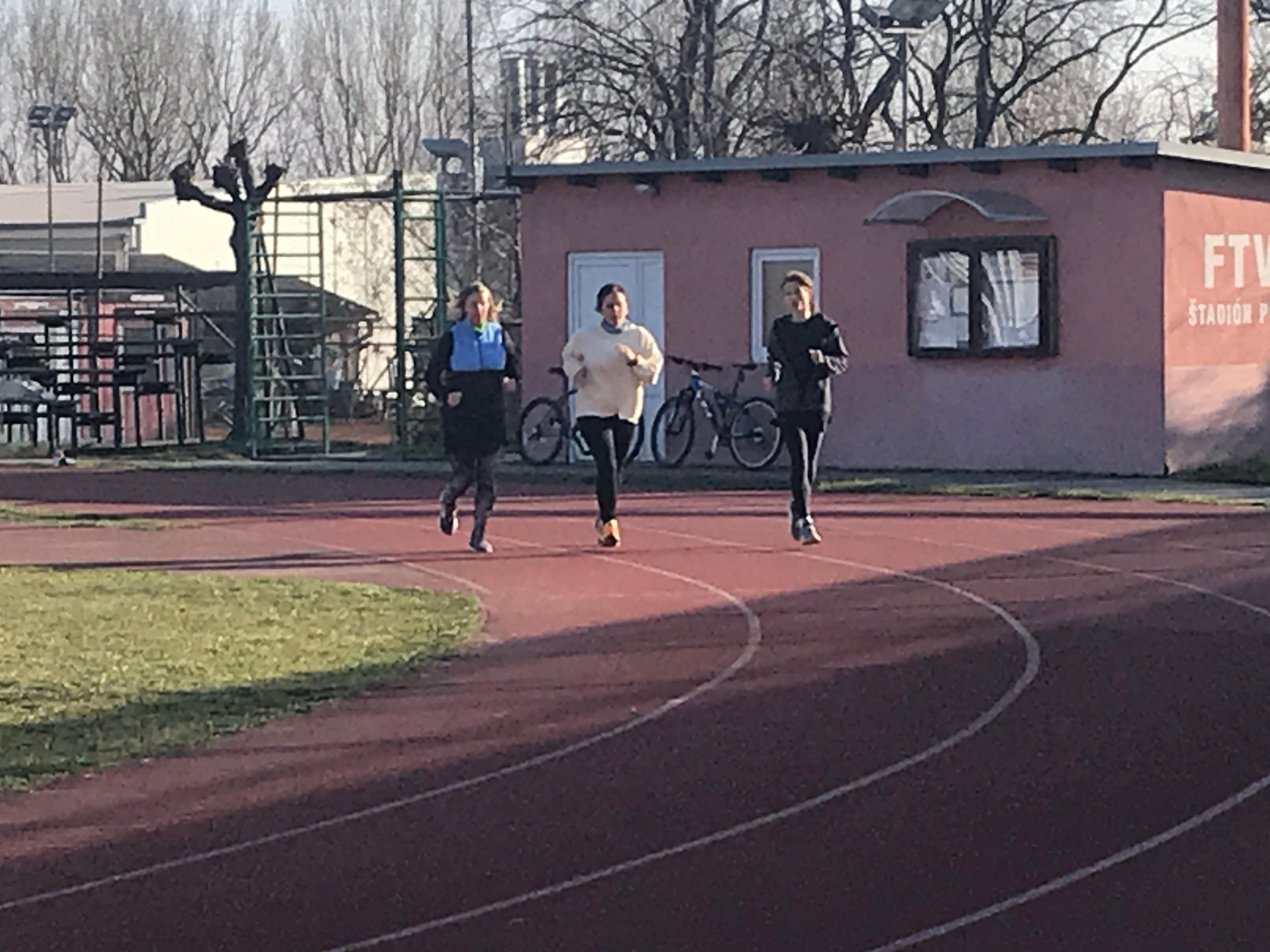 Bežecké tréningy správnej techniky behu
