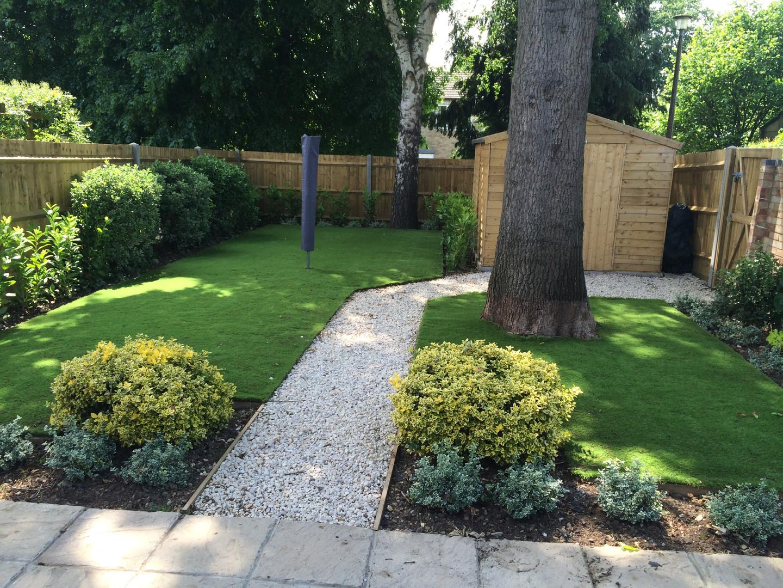 Beautiful rear garden with shed_.jpg