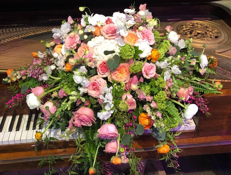 Spring casket cover