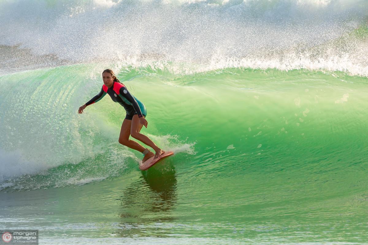 Surfeuse Cote basque