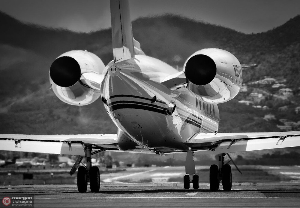 Private jet at Maho beach - Sint Maarten - Morgan Tiphagne.jpg