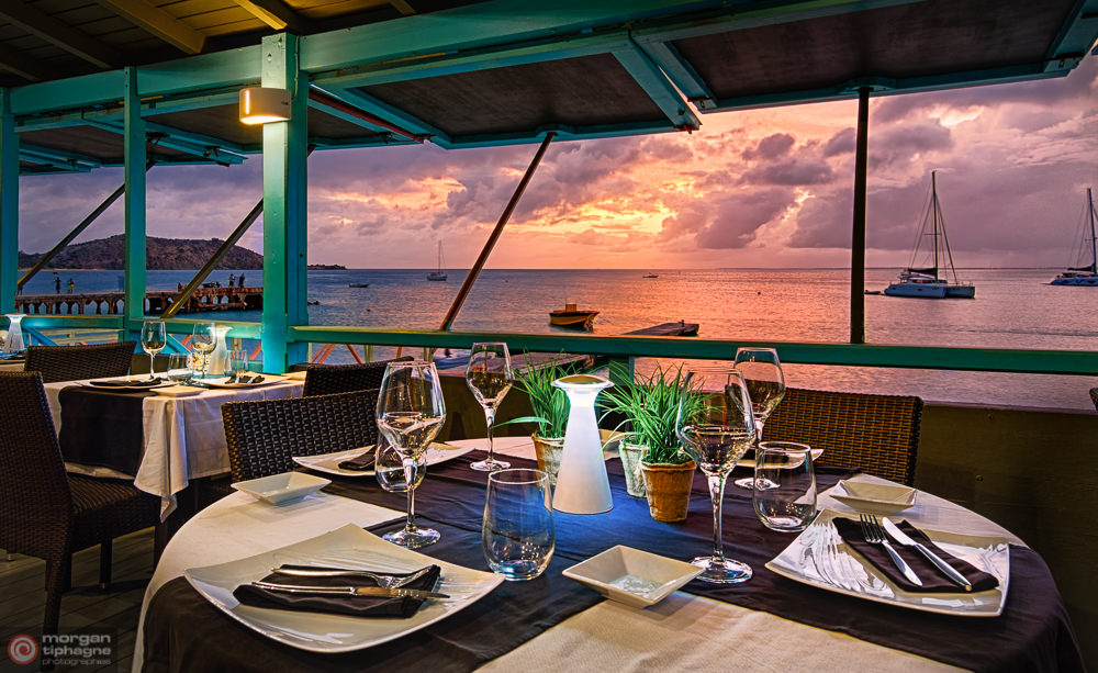 Dinning hour at l'Effet Mer