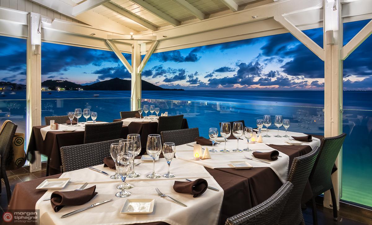 Blue hour at Ocean 82 restaurant in Grand Case Saint-Martin - Morgan Tiphagne