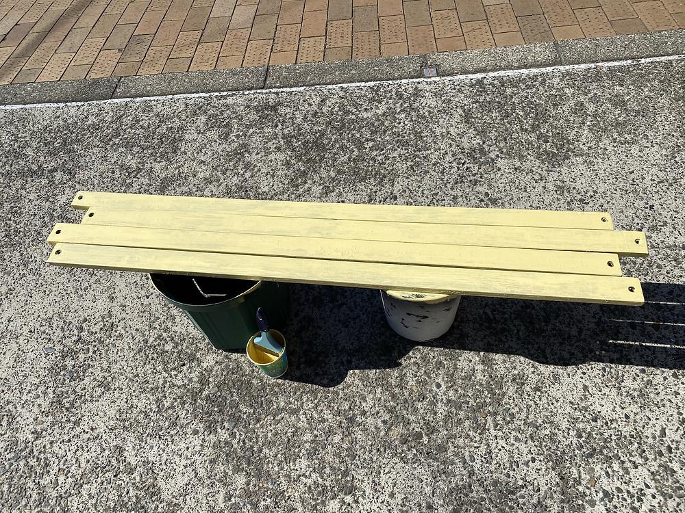 美容院DAF ベンチ塗り替えブログ