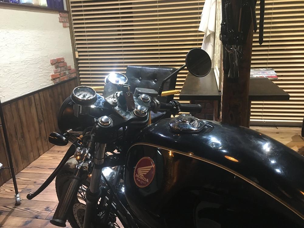 美容室DAF 茅ヶ崎 看板バイク作り