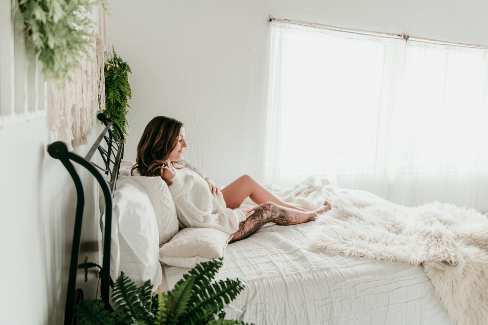 michigan studio maternity photographer