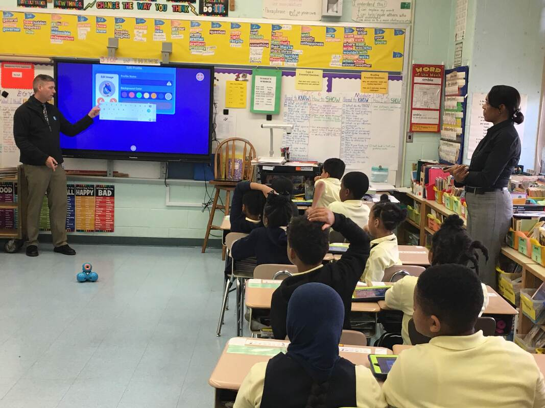 Ms. Murray's third graders learn to program Dash robots