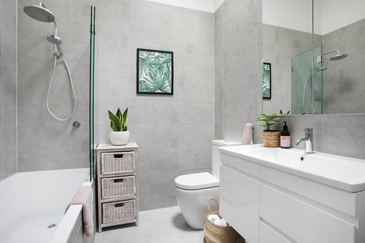 Main Bathroom - Tranquil Como Renovation