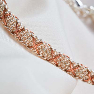 Kumihimo wirework kisses bracelet