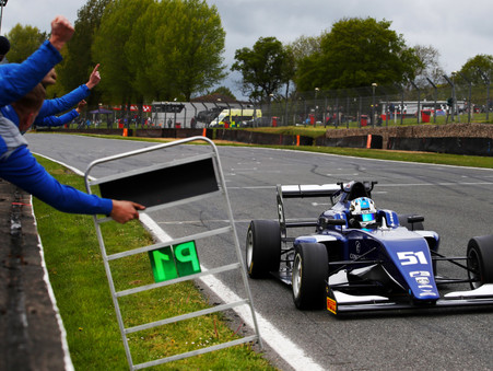 British F3 | Review: Carlin Drivers on the Right Foot at Brands
