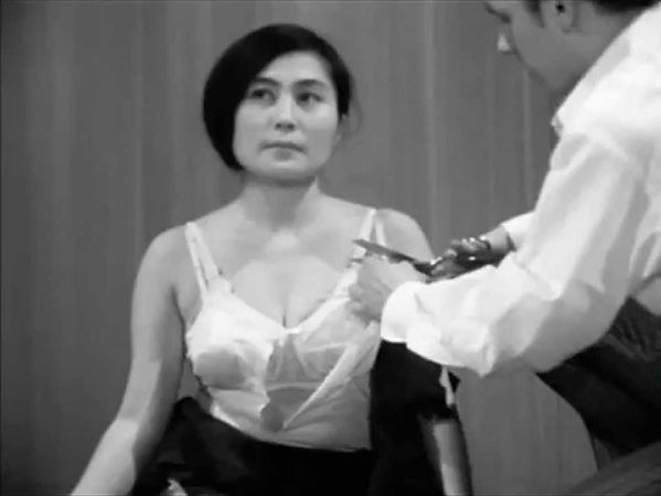 Yoko Ono 'Cut Piece'.jpg