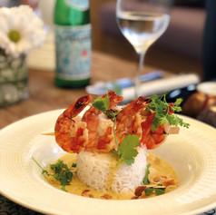 Borchette de gambas, riz basmati, sauce coco curry et citronnelle
