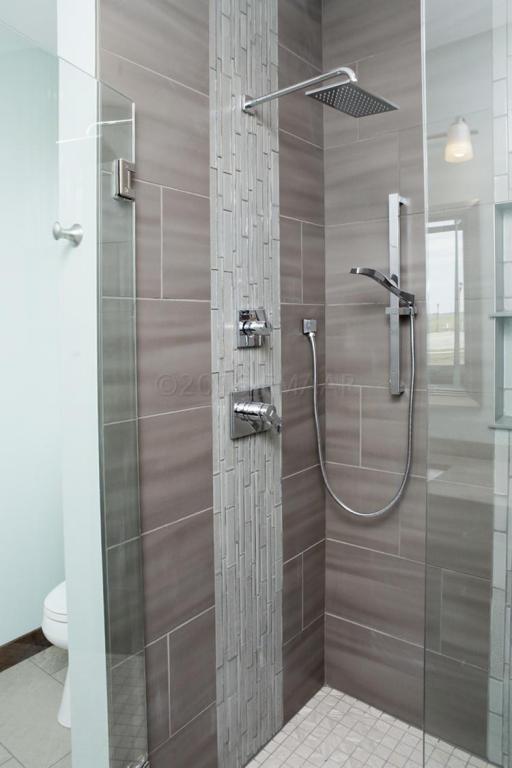 Model Master Shower2