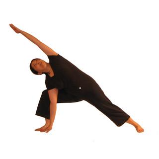 6.  Vira Bhadra Kona / Warrior Angle