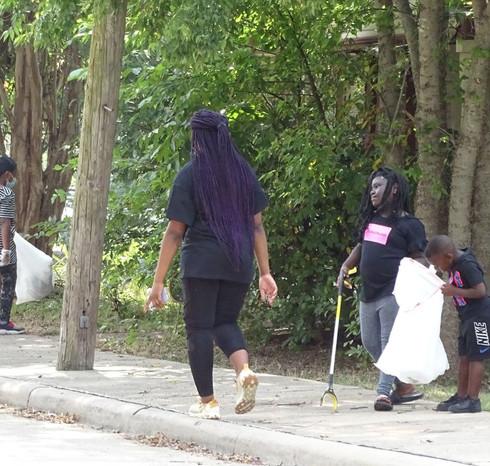 CleanUpTheNeighborhood01.jpg