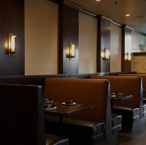 dining-booths-at-5-restaurant.jpg