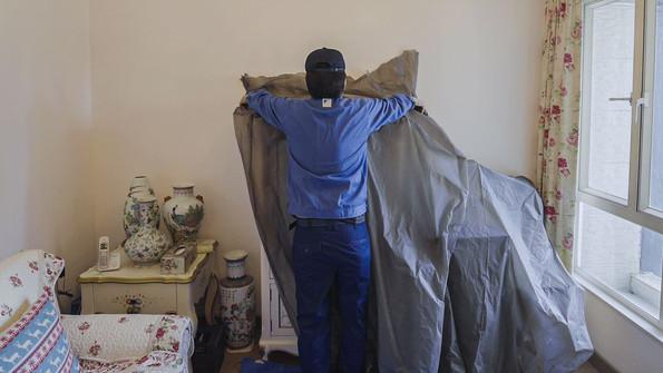 2. 保護冷氣周圍物件