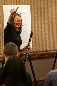 Orchestrate clarinet teacher in action