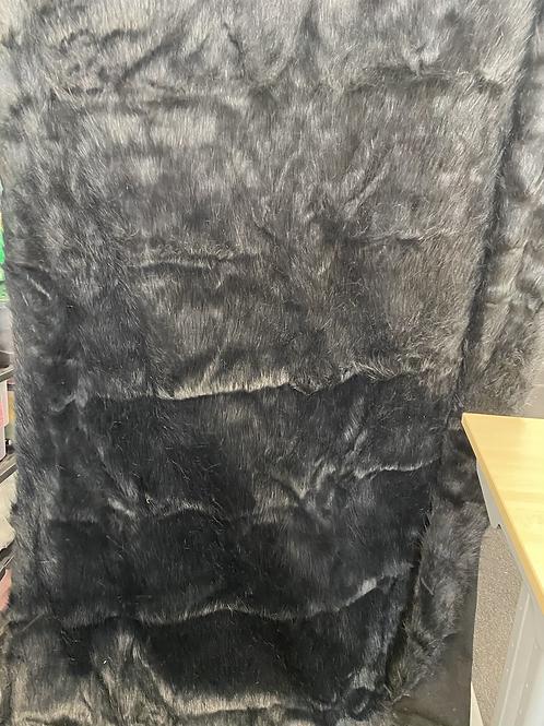Black Fur 300x150cm