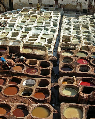 1280px-Leather_tanning,_Fes.jpg