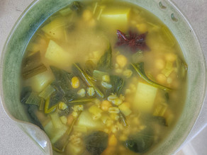 Keep Warm and Healthy with a Mediterranean Chickpeas, Potatoes & Spinach Soup
