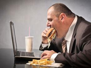 האם אתם מאלה שאוכלים תוך כדי תנועה?