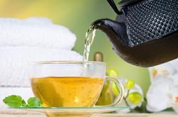 Basischer Tee zum Entsäuern