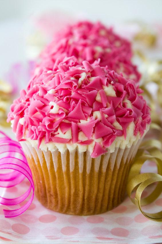 pink curl cupcake.jpg