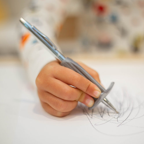 Pen Grip by Effortless Art Crayons