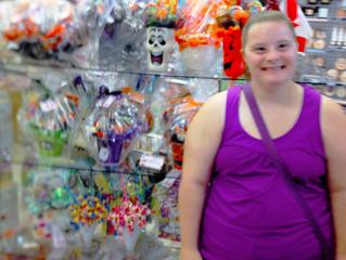 Community Tadbitz: Meet Allie