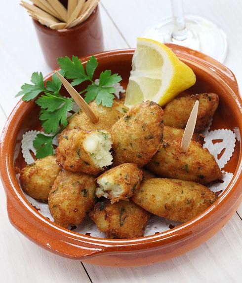 salt cod croquettes,bolinhos de bacalhau,pasteis de bacalhau,bunuelos de bacalao_edited.jpg