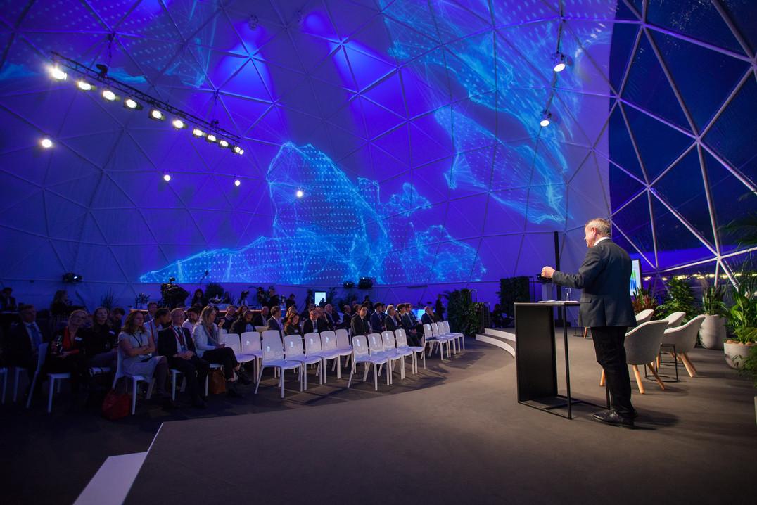 Davos Tuesday-345.jpg