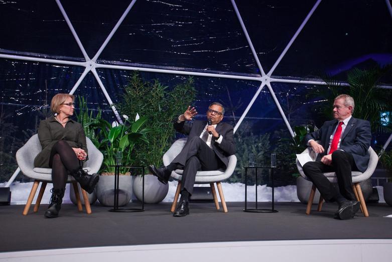 Davos Tuesday-302.jpg