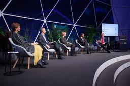 Davos Tuesday-312.jpg