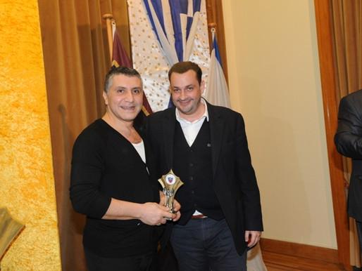 Η Κερκυραϊκή Ένωση Πειραιά τιμά το Θέατρο Αλμήνη