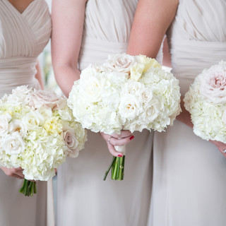 bridesmaid floral bouquets