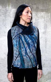 Grey nunfelt vest.Carlile-Kovacs Flora.s
